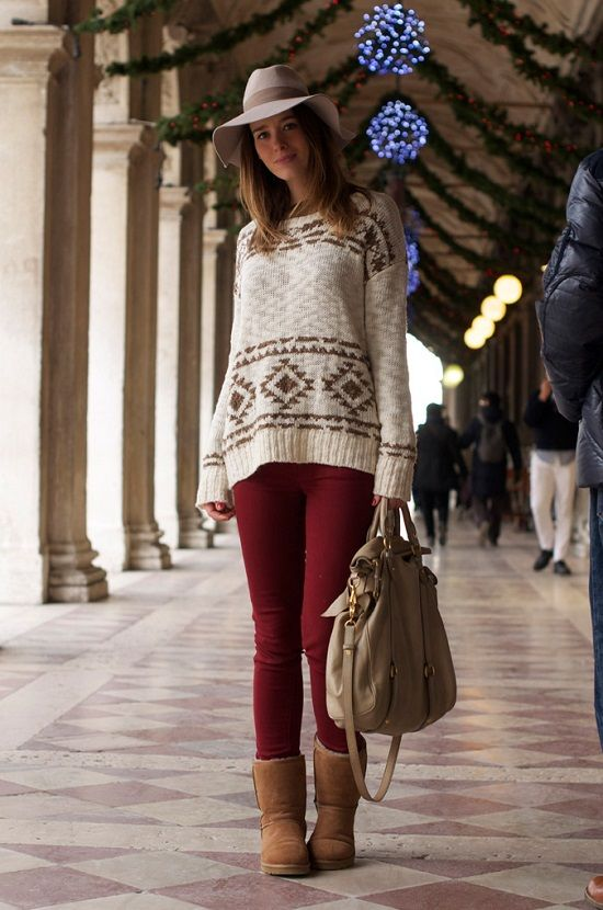 a39b2d69101 Stylish Ways to Wear Uggs This Winter in 2019   Fashion   Ugg boots ...