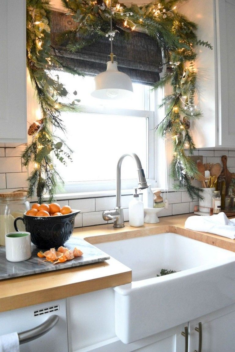 50 Cheerful Christmas Decorating Ideas For Your Kitchen
