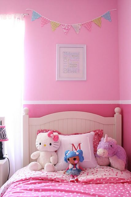 two tones of pink with a painted border. pink and purple girls room   Love the two tones on the wall   For