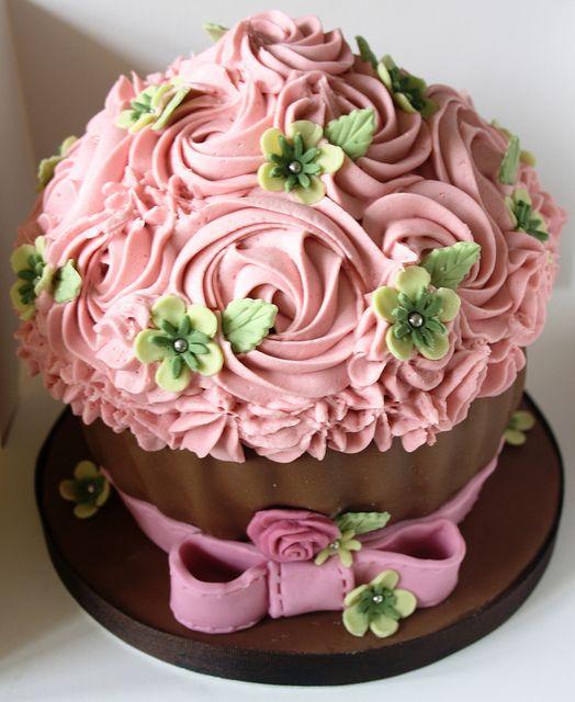 Dusky Pink Giant Cupcake Giant Cupcake Cakes Big Cupcake Giant Cupcakes