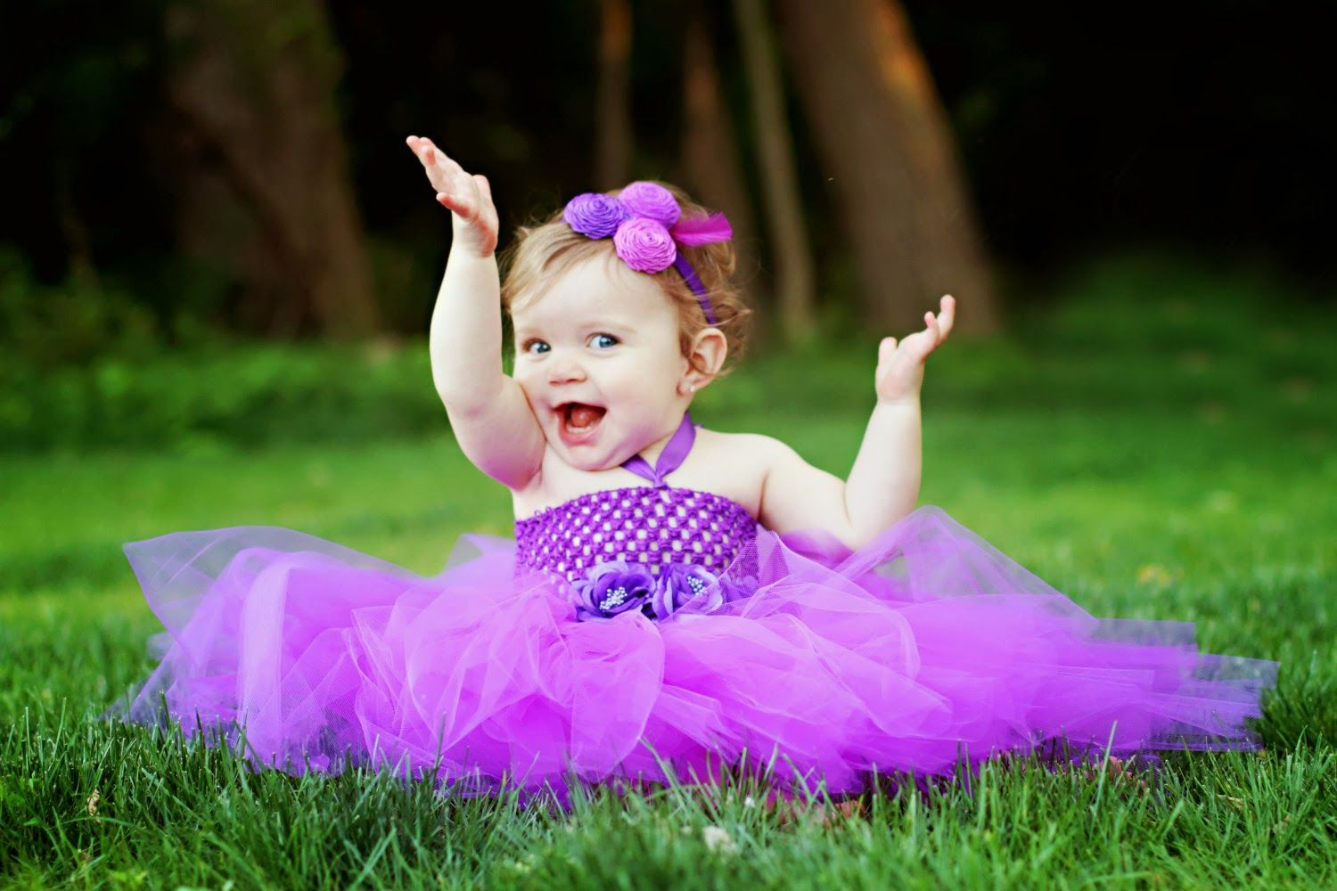 Physical Development Of Babies Very Cute Baby Cute Baby Pictures Cute Baby Wallpaper