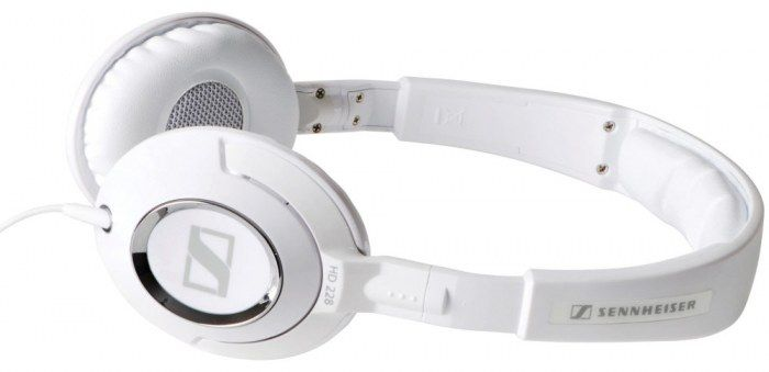 The Sennheiser HD 228 Closed Headphones provide excellent bass performance as well as a comfortable fit.