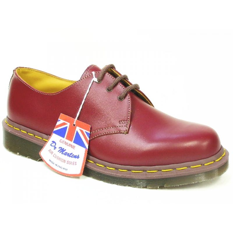 Dr. Martens 1461 vintage shoes in Oxblood (cherry red)