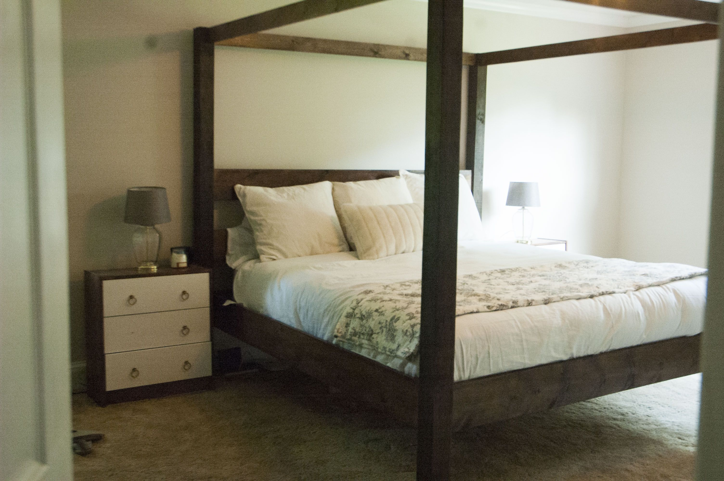 Minimalist Rustic Modern King Canopy Bed Canopy Bed Diy Pine