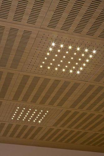 Faux plafond acoustique en bois en dalle perfor for Faux plafond acoustique