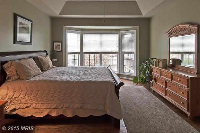 Master bed --- guest bedroom dresser/mirror