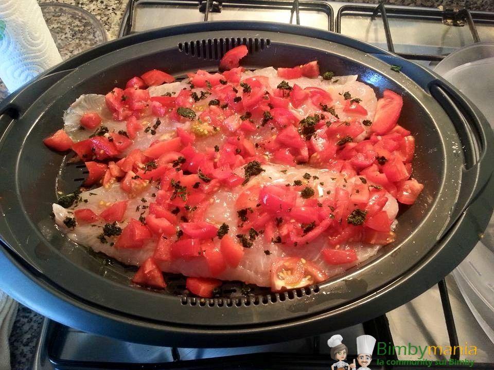 Persico a varoma Bimby, un secondo piatto sano e gustoso, da accompagnare magari con del riso in bianco per un pasto completo. Ingredienti: 2 filetti di ...