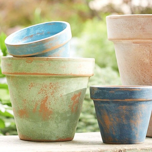 Decorate Terra Cotta Pots With A Weathered Aged Look All You Need Is Sandpaper Paint Water Decorating Terra Cotta Pots Terracotta Pots Flower Pots Outdoor
