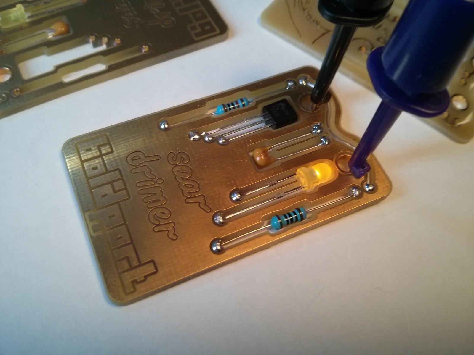 An engineer\'s emergency kit business card | Cool Tech Gear ...
