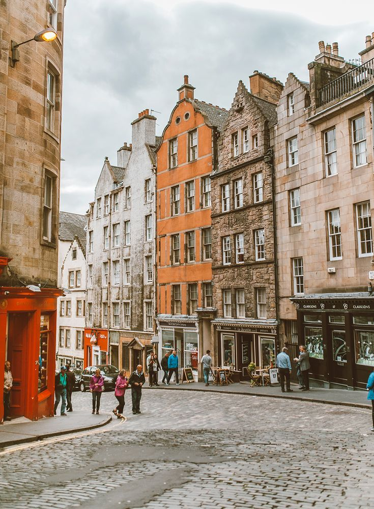 Travel Photography    Travel Destinations   Highlights   Bucket List   Sightseeing   Adventure Travel   Where to Go   Vacation   Holiday   Wanderlust    Off the Beaten Path   Nature Travel   Travel Ideas     Europe Destinations  #traveldestinations #travel #scotland #europe  Travel Diary: Edinburgh, Scotland   LivvyLand #travelscotland