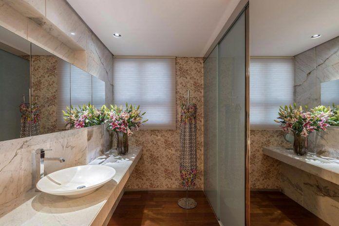colourful-apartment-belo-horizonte-art-collector-lover-strong ...