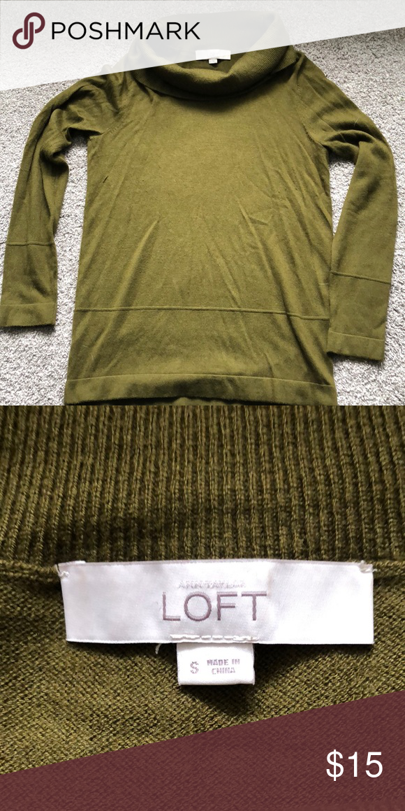 Olive Green Sweater Excellent Condition LOFT Sweaters #myposhpicks