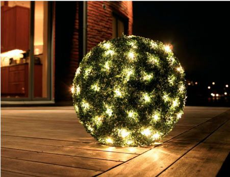 christmas decorating ideas using baskets christmas bush lights
