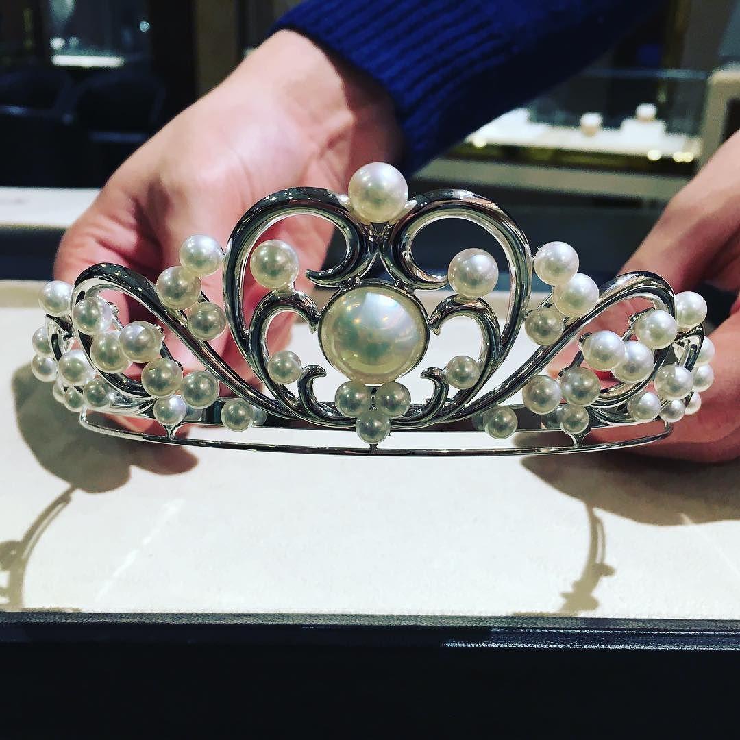 #婚約指輪 を #tasaki で購入してもらったので#ティアラレンタル  たくさん種類あるしどれにしようかなぁー #結婚式 #ティアラ #フローラ #flora #プレ花嫁 by miisan220