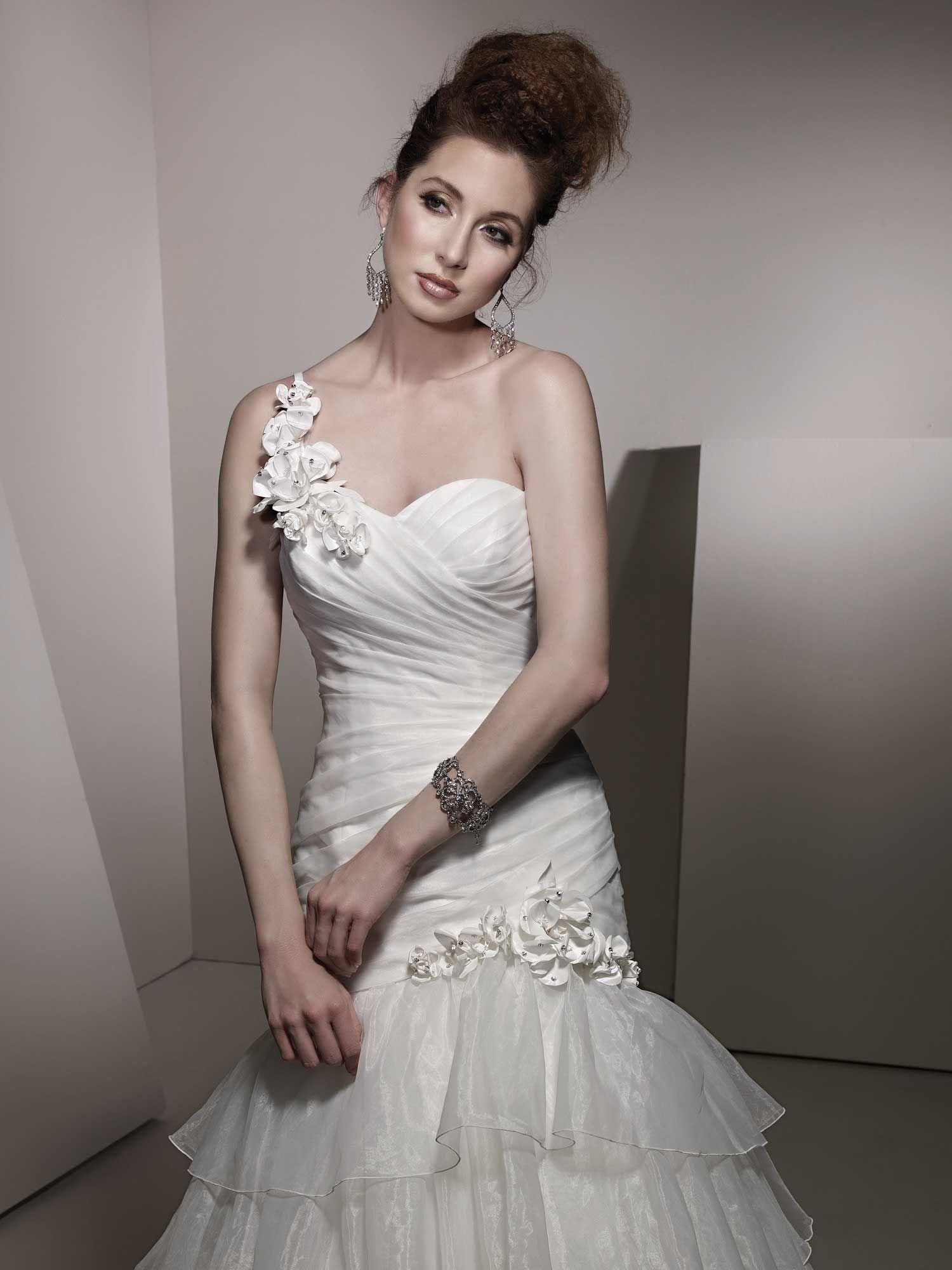 Wedding dress sacramento  Pin by Alissa on Organza Wedding Gowns  Pinterest  Organza wedding