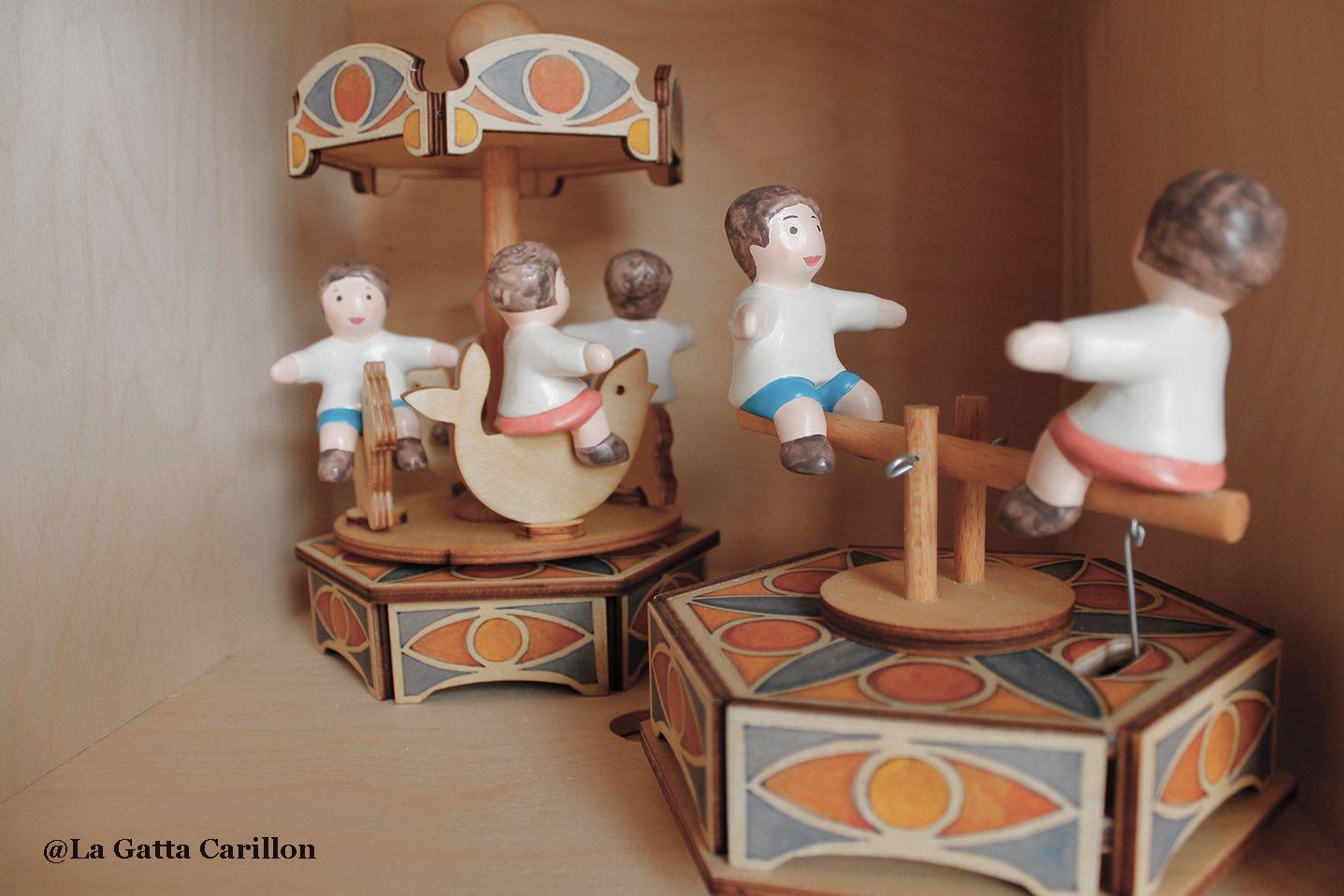La Gatta Carillon.Carillon Giostra Bambini Children Babies Carousel Music