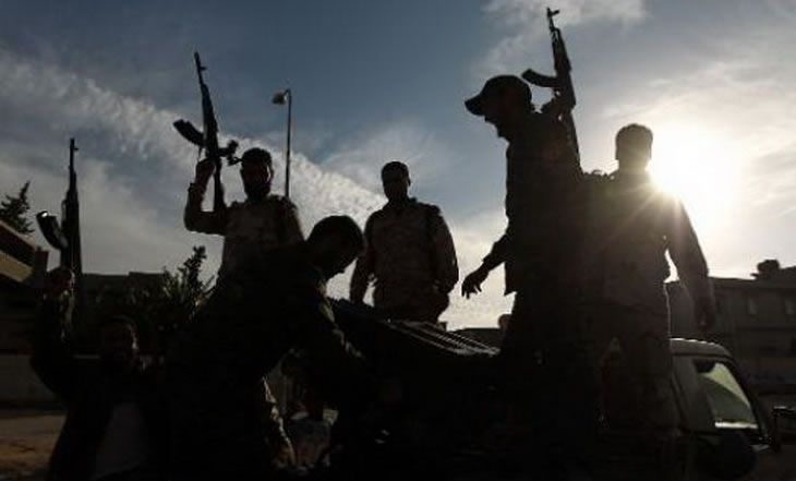 Libye: 16 morts dans des affrontements à Benghazi et Derna - 23/12/2014 - http://www.camerpost.com/libye-16-morts-dans-des-affrontements-a-benghazi-et-derna-23122014/?utm_source=PN&utm_medium=CAMER+POST&utm_campaign=SNAP%2Bfrom%2BCamer+Post
