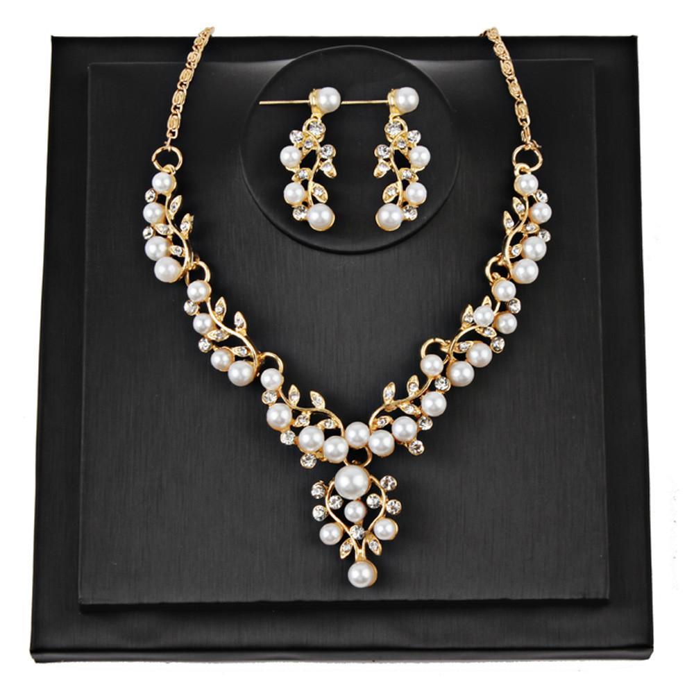 Pearl Rhinestone Necklace + Earrings | DIY Jewelry | Pinterest ...