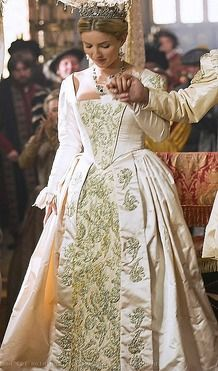 The Tudors Jane Seymour S Wedding Dress Annabelle Wallis