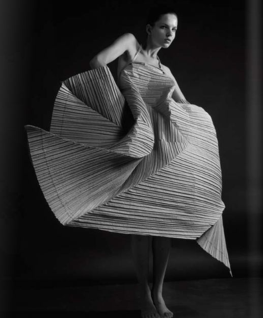 Artistic Fashion - sculptural silhouette & dimensional pleat textures - shape & structure; 3D dress // Issey Miyake