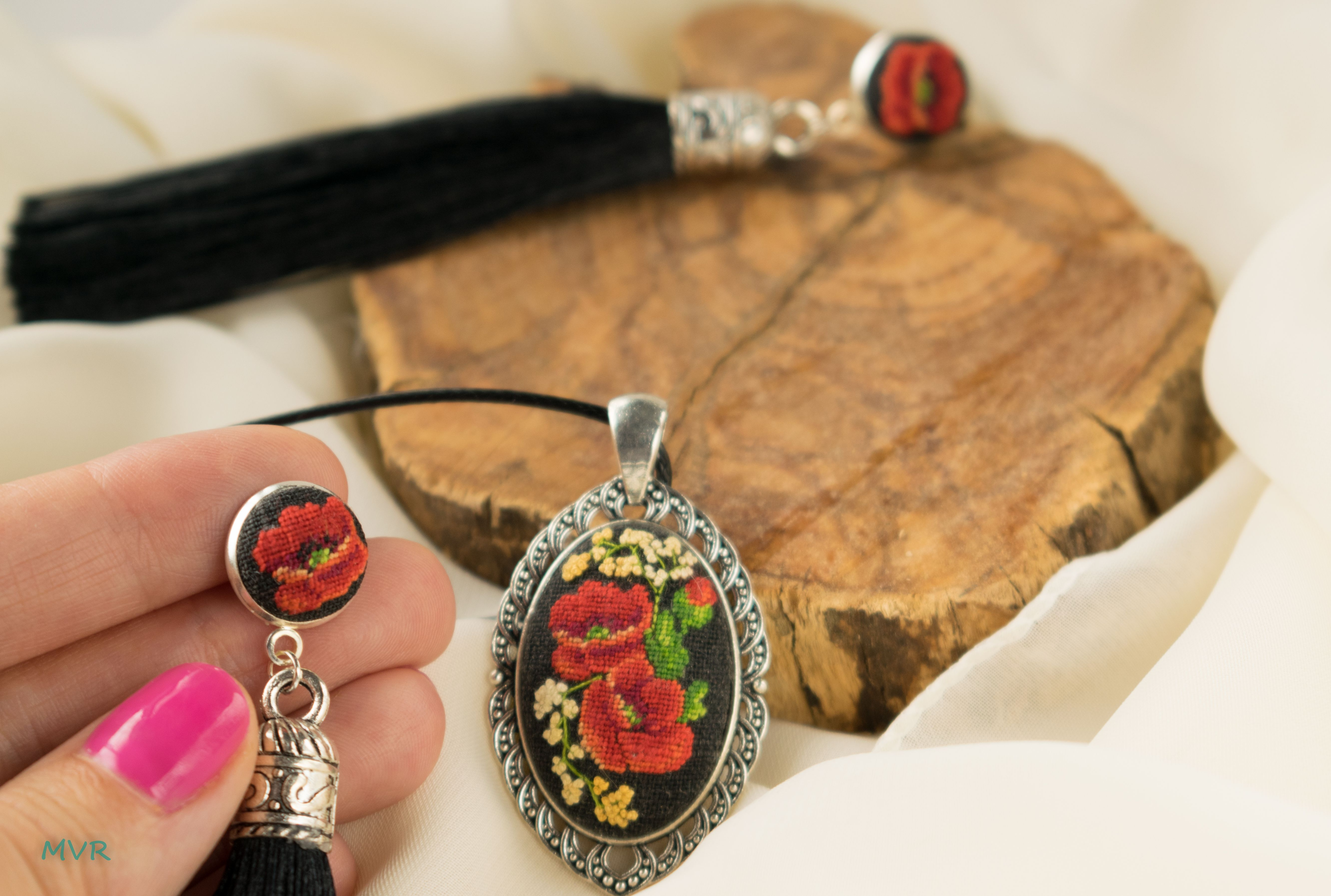 Embroidered jewelry set,petit point jewelry set,floral neclase,floral dangle earring,christmass gift,petit point jewelry set,gift for her