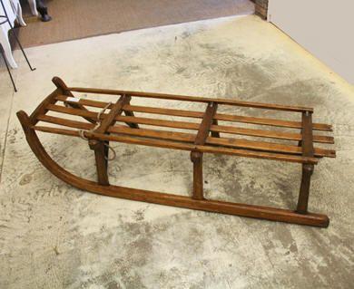 luge ancienne en bois table basse luge pens e r cup r la table basse ikea de l 39 apparte la. Black Bedroom Furniture Sets. Home Design Ideas