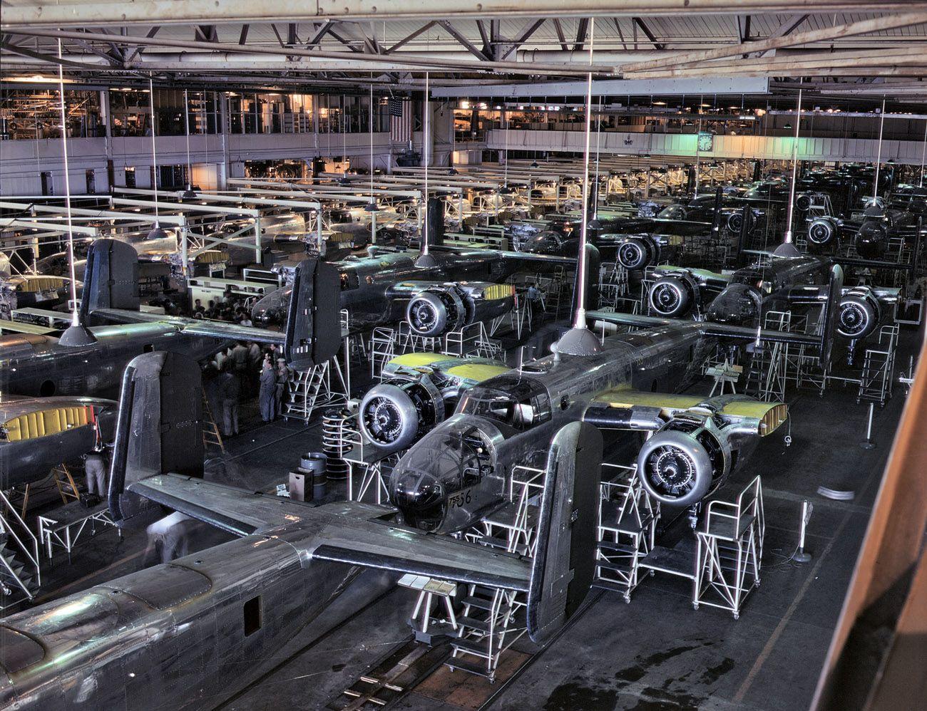 Shorpy Historical Photo Archive :: B-25 Final Assembly