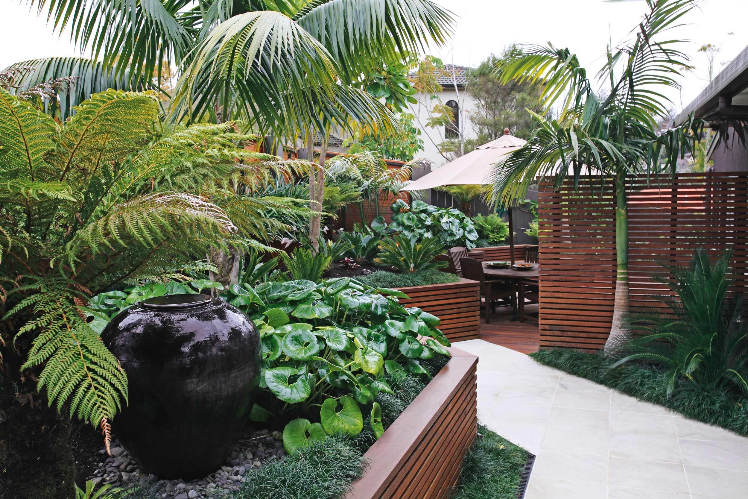 Tropical Home Garden Decoration | Tropical garden design ...