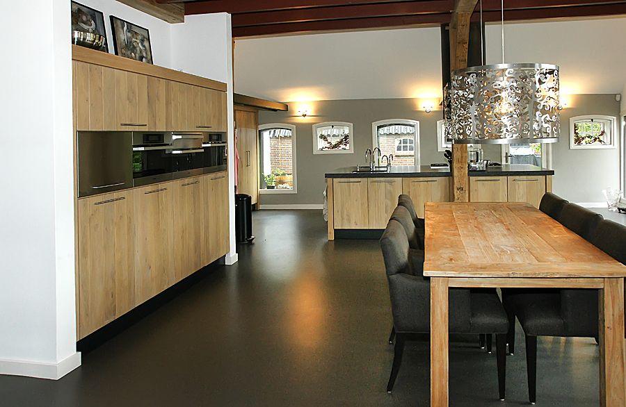 Keuken & eetkamer #hout #wood #diningroom #kitchen #design #inspiration #inspiratie #living #wonen #mintinterieur