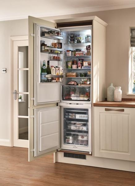Aeg Integrated 70 30 Frost Free Fridge Freezer
