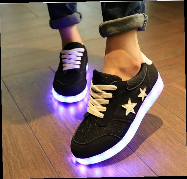 Fashion 7 couleurs LED Chaussures lumineuses hommes / femmes USB de charge Light-up Lovers Sneakers IzfSTqr