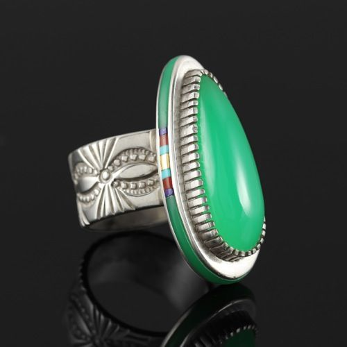 Wright's Indian Art: Chrysoprase Ring with Inlaid Sides by Jake Livingston