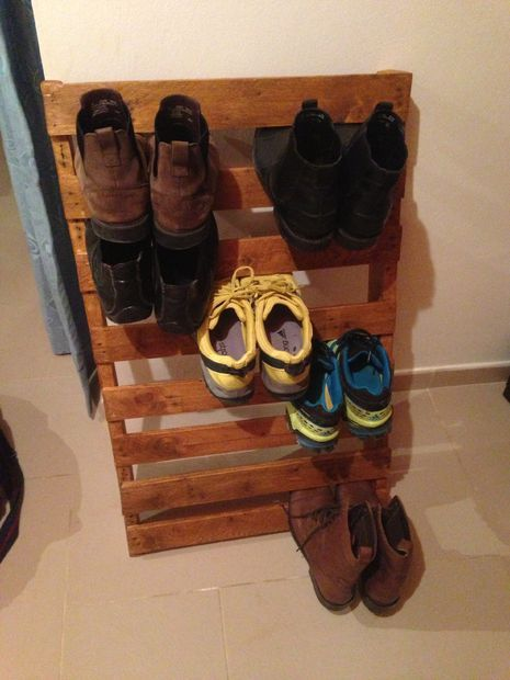 Easy Shoe Rack Made From Pallets For My Attic Pallet Shoe Rack Shoe Rack Made From Pallets Shoe Rack