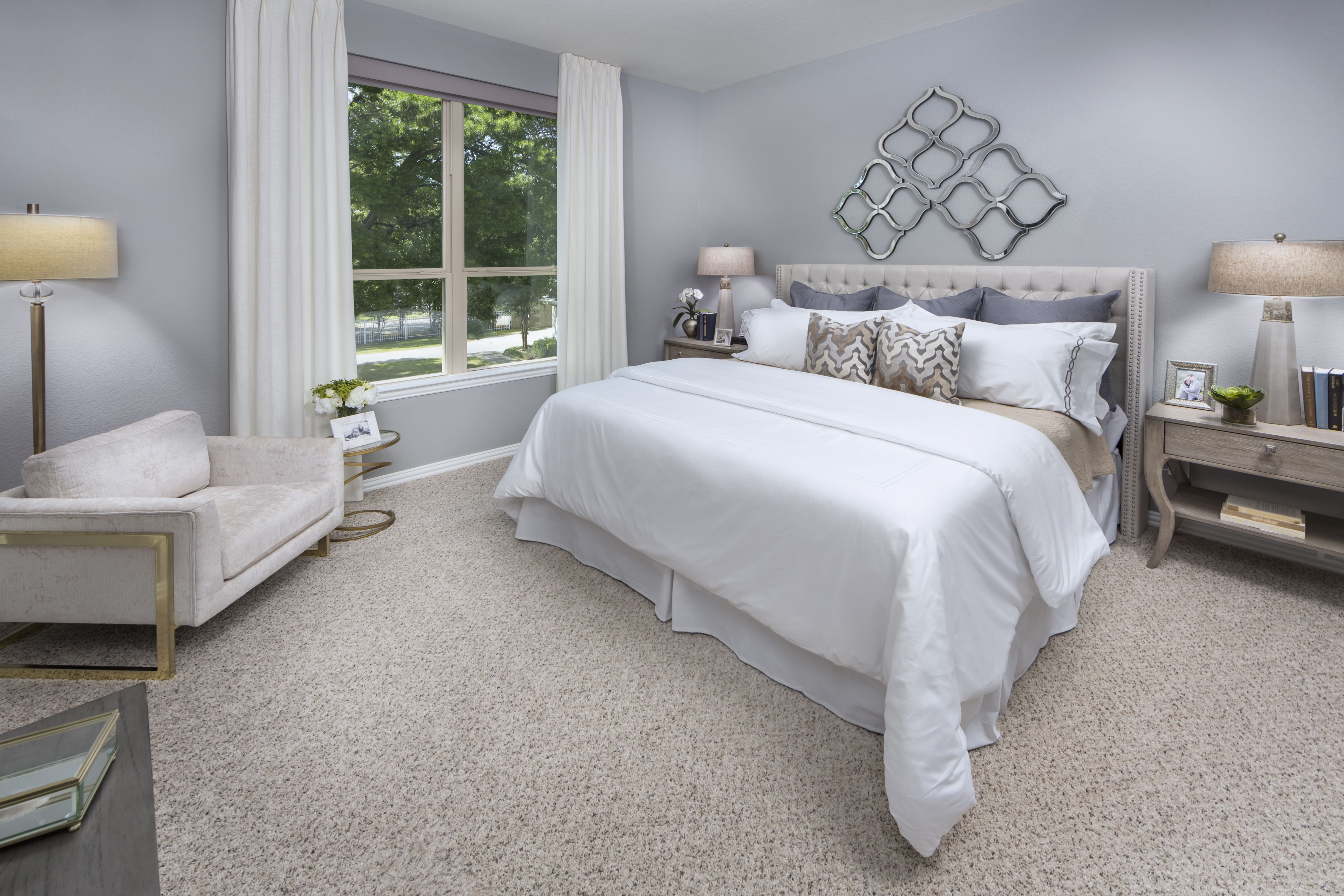 Wouldn't you like to lay and DREAM in a master suite this