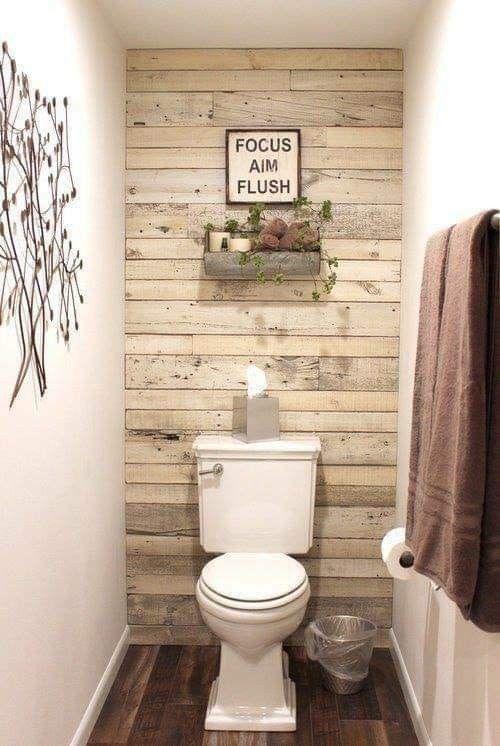 Ce Serait Un Projet Si Mignon Pour La Salle De Bain En Bas Diy Bathroom Decor Shiplap Accent Wall Shiplap Bathroom
