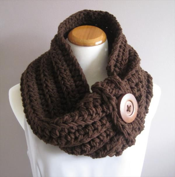 chunky crochet cowl and other crafty acts of rebellion - 9 Easy Crochet Cowls for Women's | 101 Crochet
