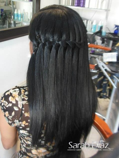 Peinado cascada pelo liso