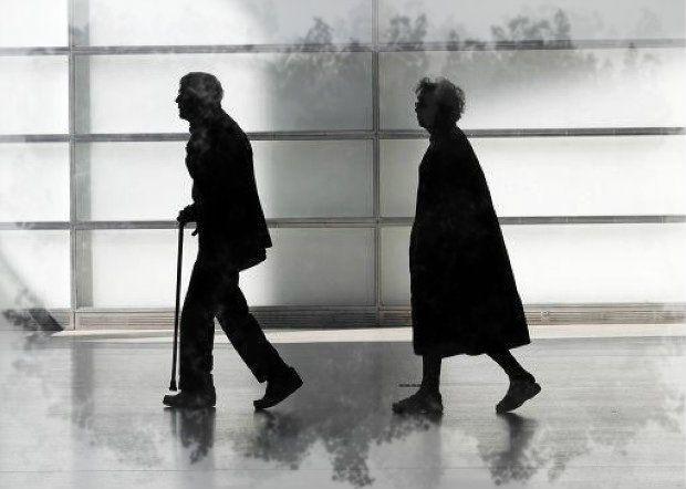 quando ci sono dei problemi con la finanza pubblica si torna a parlare delle pensioni e non hanno fatto eccezione neanche due  http://tuttacronaca.wordpress.com/2013/12/13/ancora-pensioni-nel-mirino-il-vizio-di-prendersela-con-i-pensionati/
