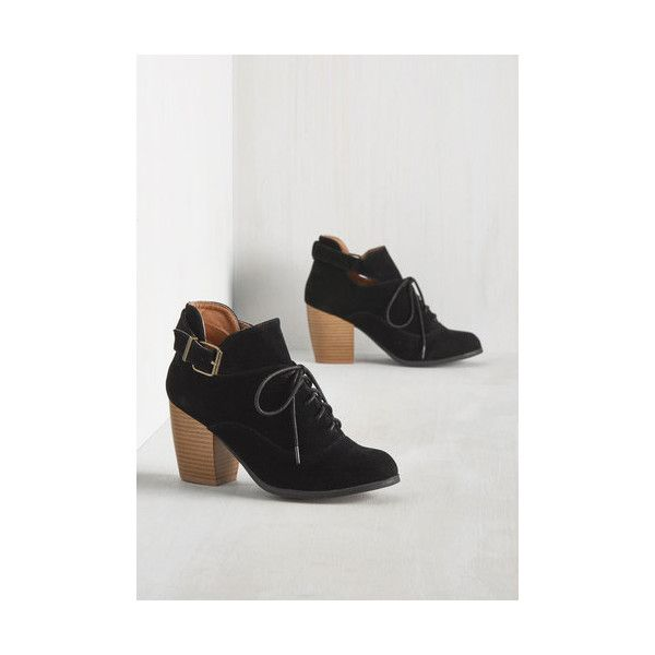 Minimal Say a Little Chimera Bootie (925 MXN) ❤ liked on Polyvore featuring shoes, boots, ankle booties, black, boot - bootie, bootie, heeled bootie, black lace up booties, oxford booties and black lace up ankle booties