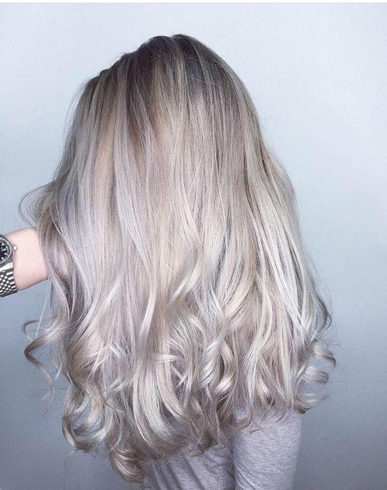 21 Icy Blonde Hair with Dark Roots Colour Ideas #darkblondehair
