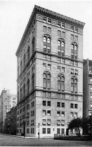 For Insight Into How Wealthy People Lived In New York City In The Early 20th Century Go To This Recent New York City Apartment New York City City Architecture