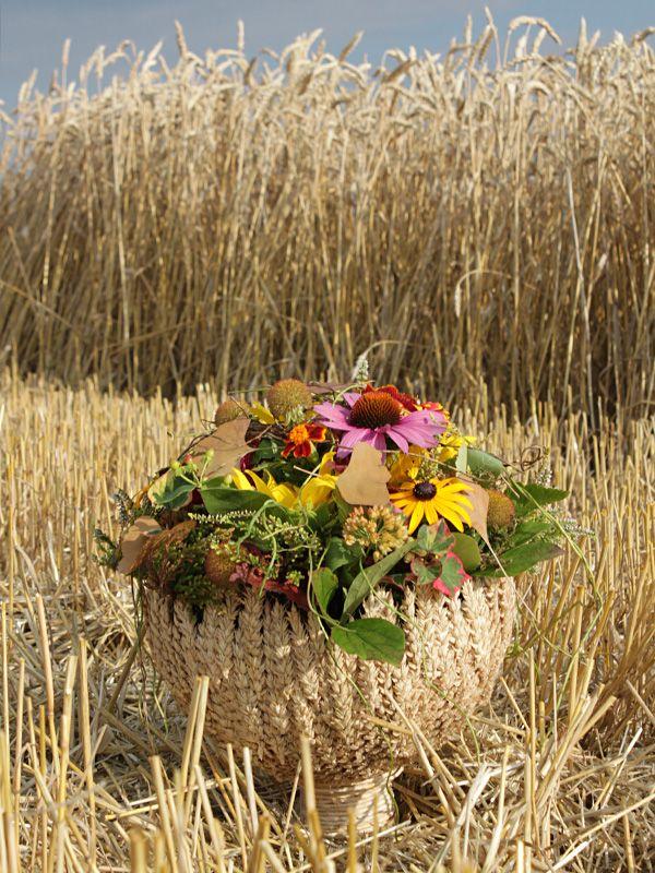 Ammi Floral Studio Czech Republic Fall Flower Arrangements Dried Flowers Floral Art