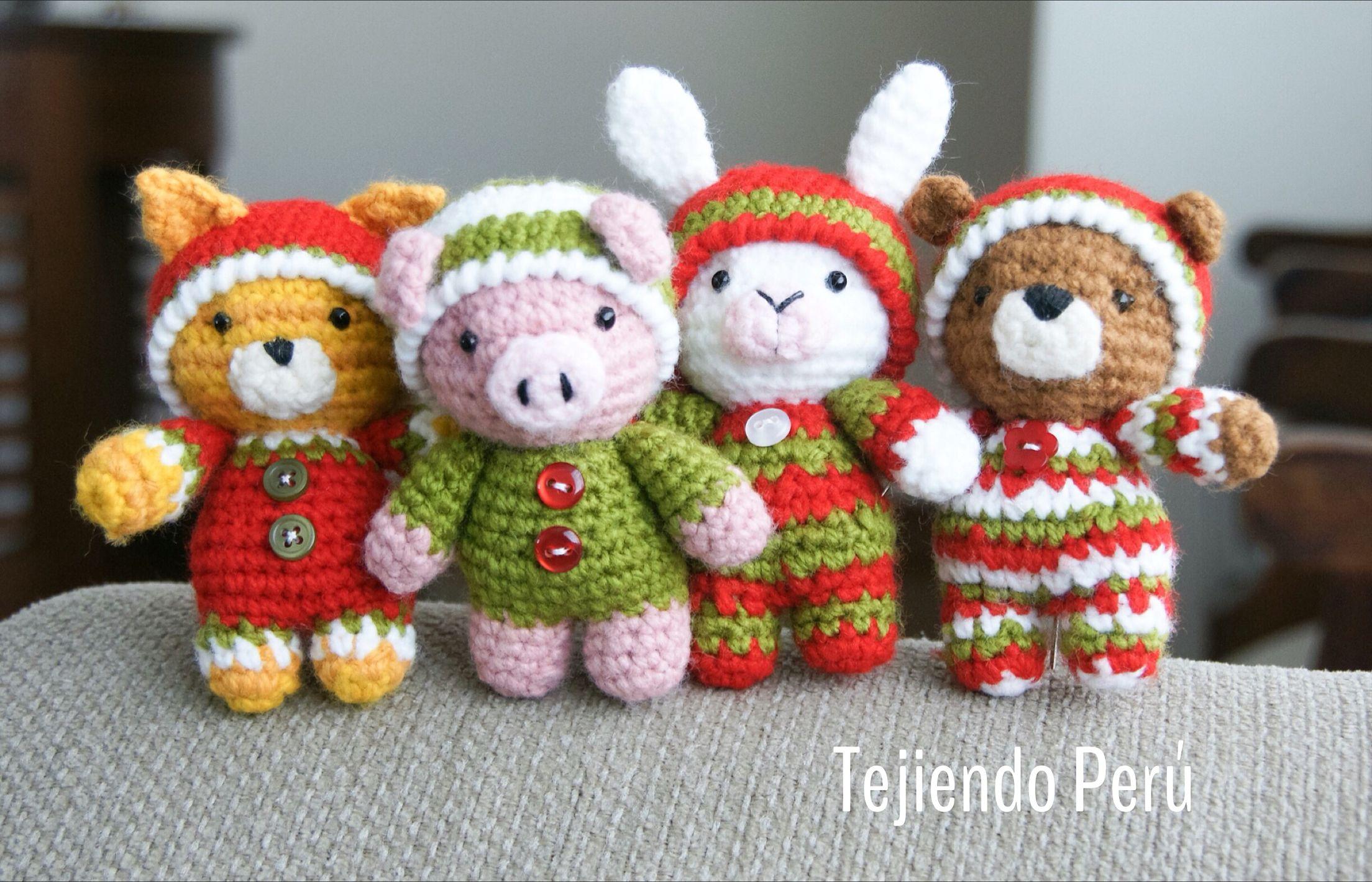 Amigurumis Conejos Paso A Paso : Oso gato chanchito y conejo bebés en pijamas esperando navidad