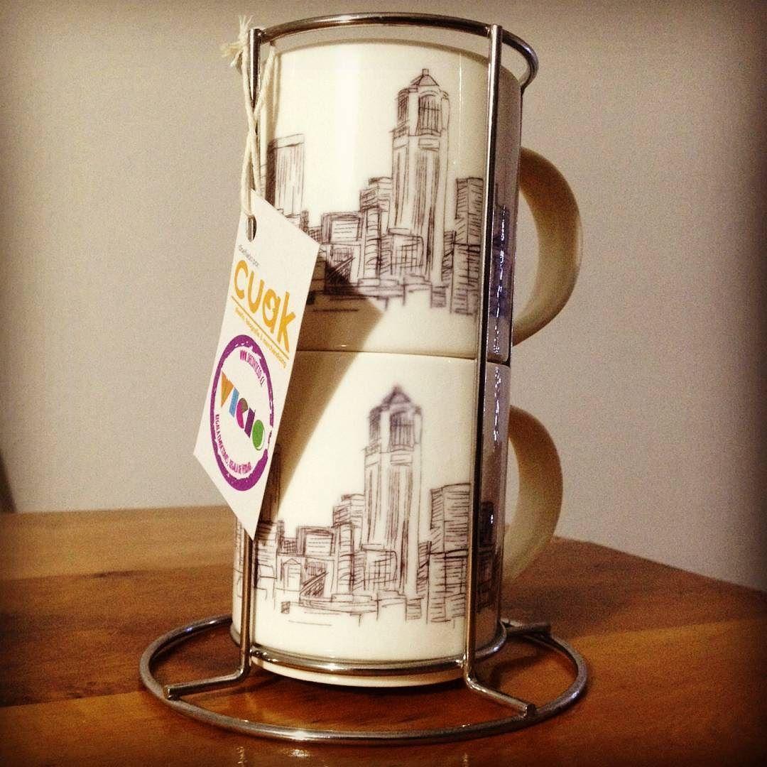 Pack de dos tazones diseñados como tu quieras... ideal para compartir un desayuno de amor... con soporte metalico decorativo $5990 www.decovicio.cl  #14defebrero  #regalospersonalizados #regalaverdad #decohogar #vicioregalos