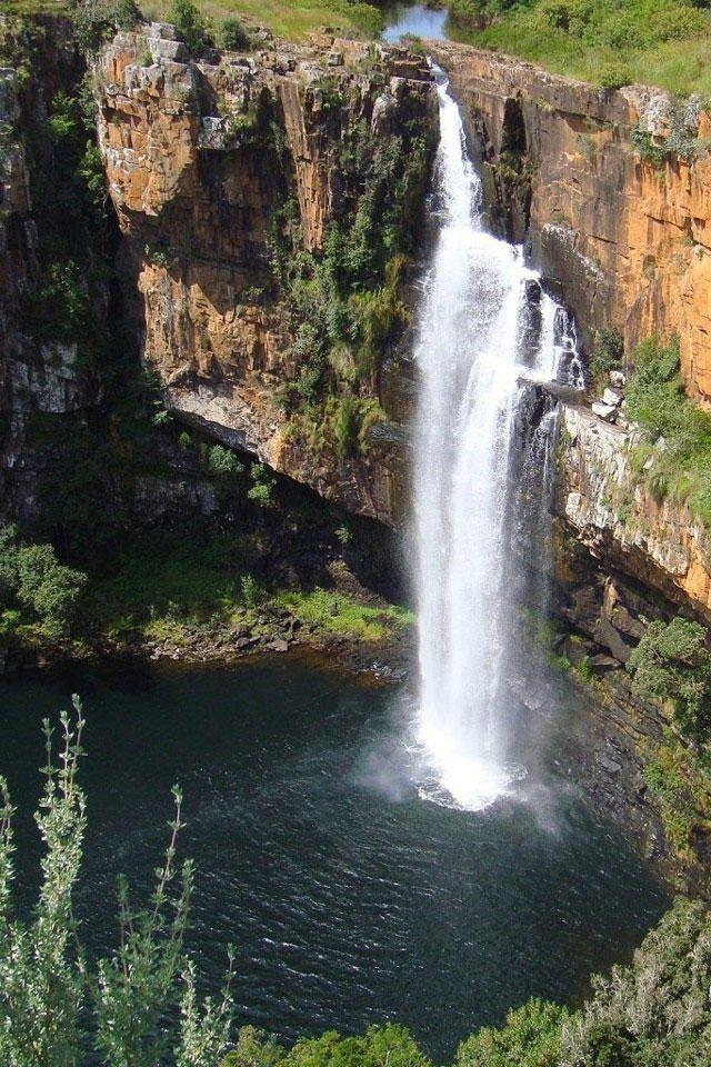 Hd Beautiful Waterfall Of Mountain Iphone 4 Wallpapers