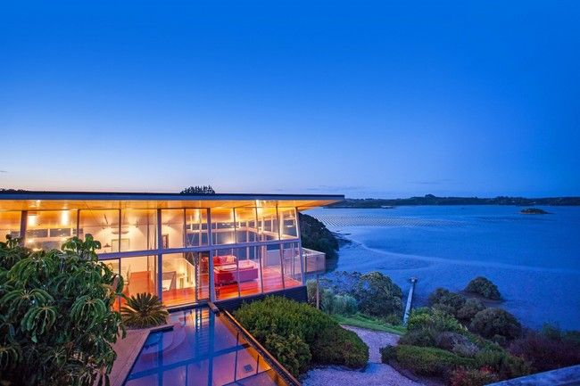 The Architect Richard Naish Designed This Stunning Contemporary