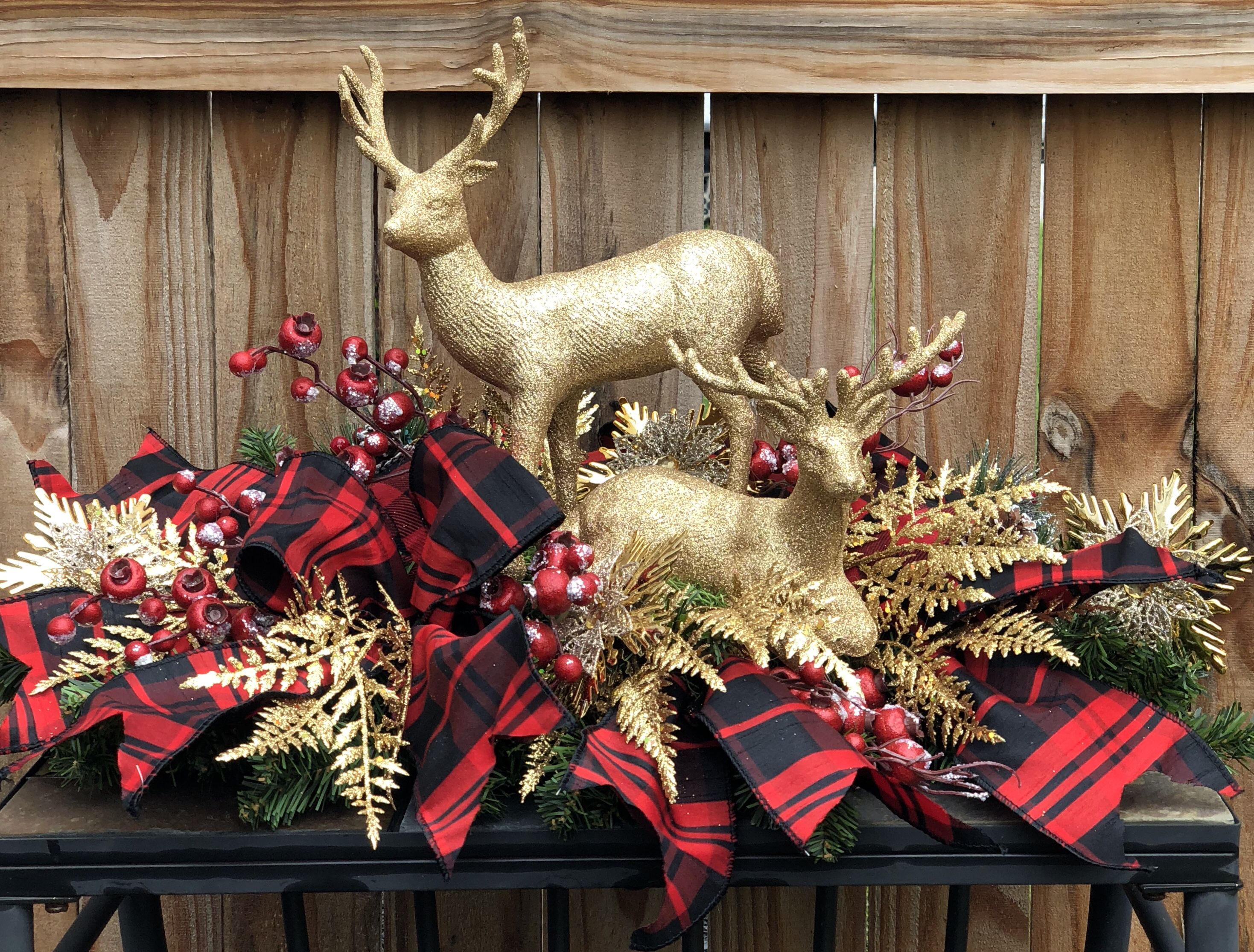 Excited To Share This Item From My Etsy Shop Reindeer Table Center Christmas Decorations Centerpiece Christmas Floral Arrangements Diy Christmas Arrangements