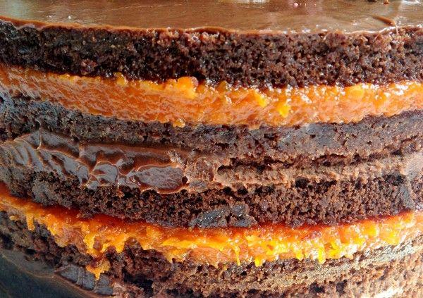 Bolo de chocolate com doce de abóbora (chef Lucas Corazza