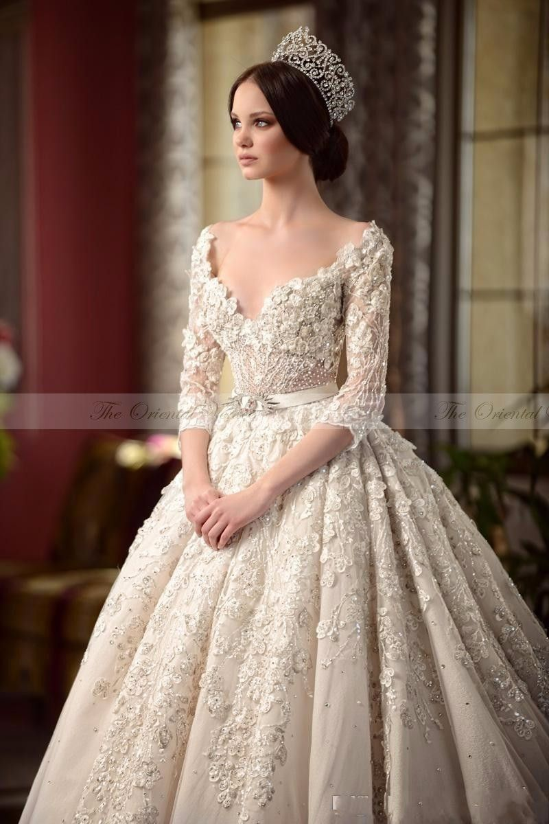 2017 luxury vintage lace victorian wedding dresses with for Wedding dresses for womens