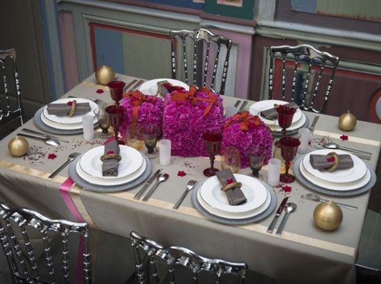 15 id es d ambiance et de d coration de table pour no l et for Decoration table nouvel an